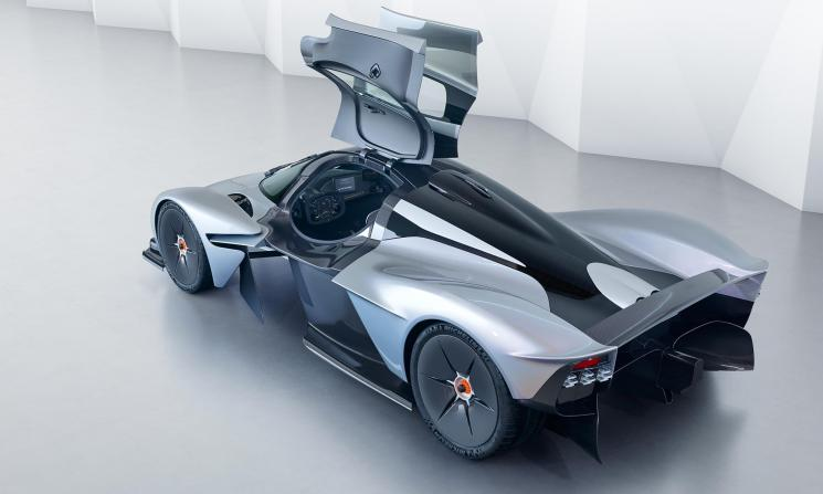 Aston-Martin-Valkyrie_03.jpg