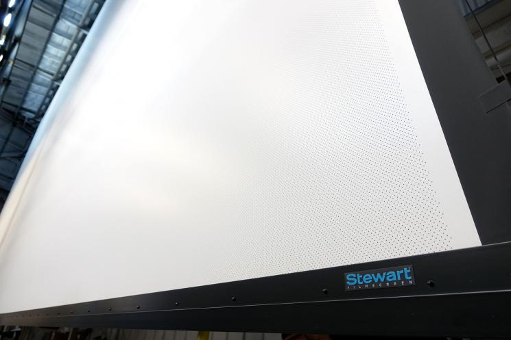 stewart-filmscree-motoros-mozi-vetitovaszon1.jpg