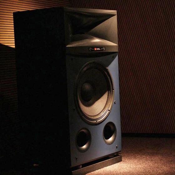 JBL-4367-hangfal-studio-monitor-8.jpg